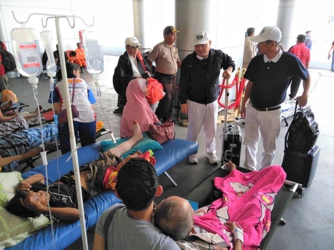 來自台灣包含1萬條慈濟環保毛毯、8.4噸香積飯的慈濟救災物資,已於10月4日一早...
