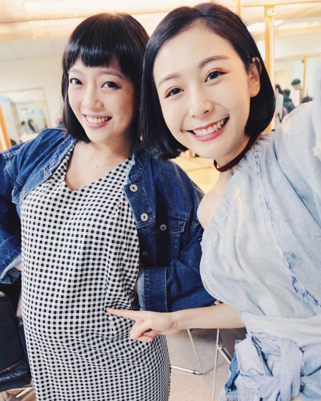 貝童彤(左)7月巨肚現形。圖/摘自Albee臉書