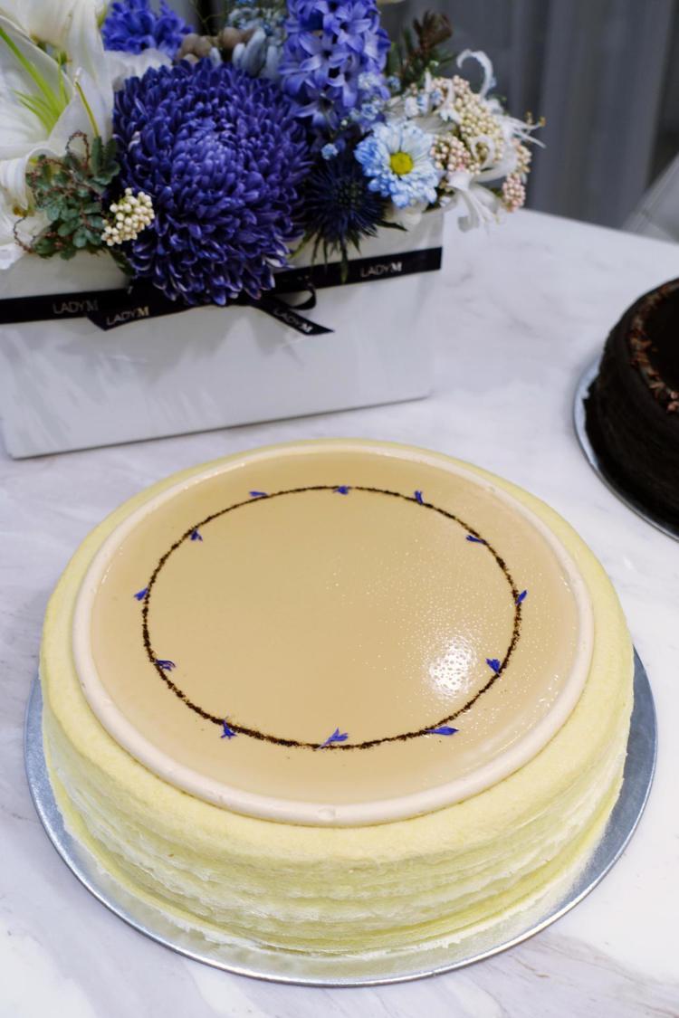 向來廣受好評的伯爵茶千層蛋糕,單片280元,九吋2,800元,千層季內用任選2款...