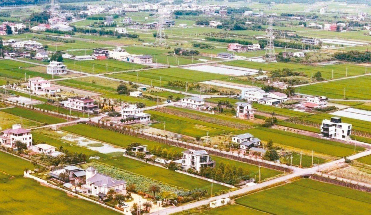 蘭陽平原農舍違規嚴重,監委調查要求依法積極導正。 圖/聯合報系資料照片