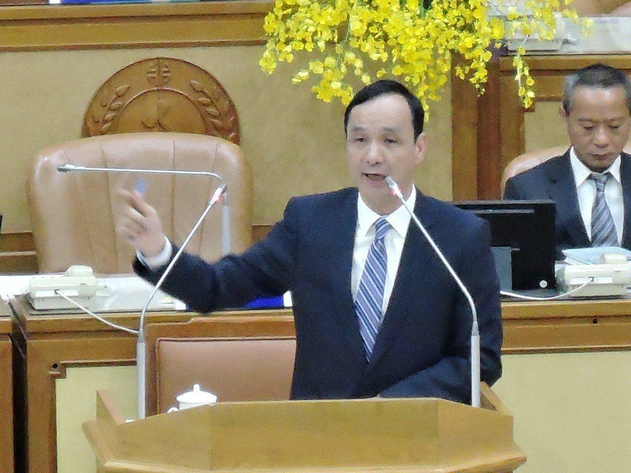 針對「中電北送」,新北市長朱立倫昨在議會市政總質詢時向執政黨喊話:「不要混淆視聽...
