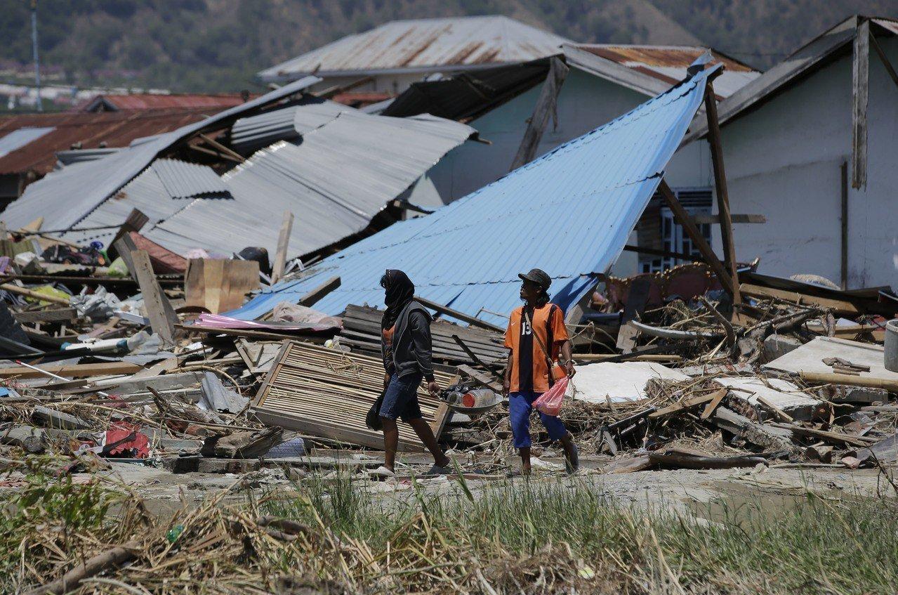 印尼蘇拉威西島(Sulawesi)上月28日遭遇規模7.5強震蹂躪,印尼國家災害...