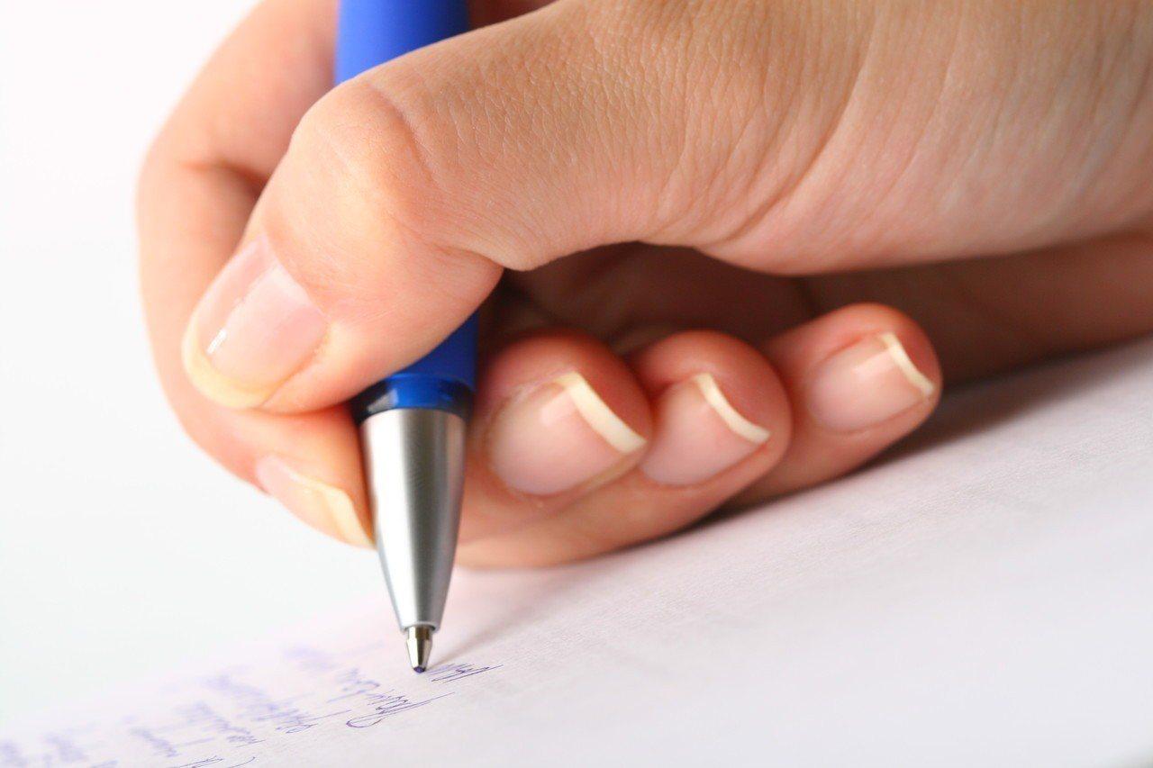 原Po在《Dcard》上分享自己的筆記,不少網友看了直呼「可以出書了」。示意...