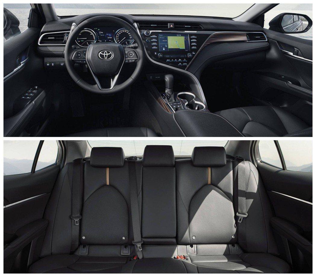 歐規Toyota Camry Hybrid內裝。 摘自Toyota EU
