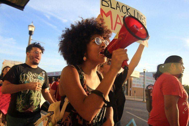 始於2013年的「黑命也是命」(Black Lives Matter)運動。 圖...