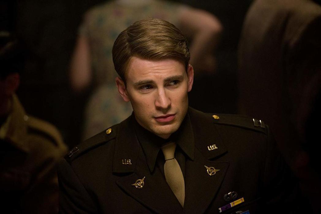 克里斯伊凡飾演「美國隊長」史蒂夫羅傑斯,比預期更受觀眾歡迎。圖/摘自imdb