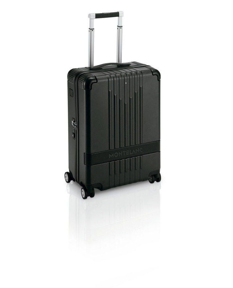 萬寶龍#MY4810 黑色4輪附前袋登機箱,26,600元。圖/萬寶龍提供