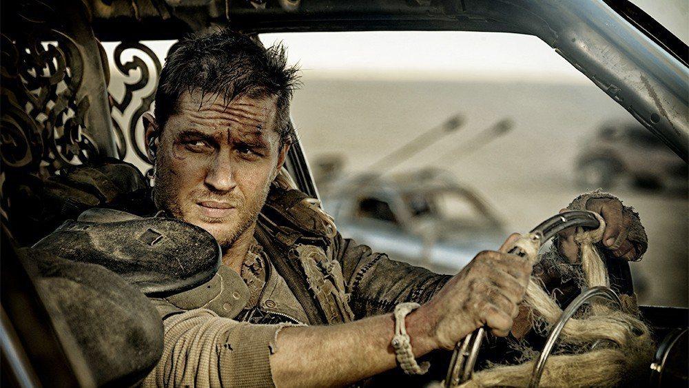 湯姆哈迪的「瘋狂麥斯:憤怒道」重新演繹沉默的飛車英雄。圖/華納兄弟提供
