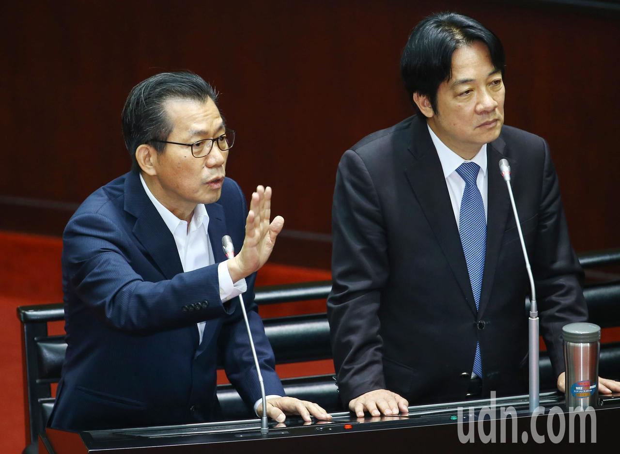 行政院長賴清德(圖右)今下午接受質詢。 記者陳柏亨/攝影