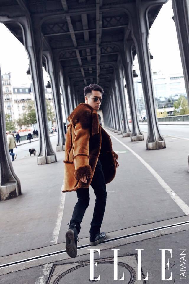 周湯豪提及與ELLE雜誌前往巴黎冷爆時全靠COACH翻皮羊毛大衣救了他。圖/取自...