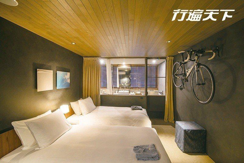 圖/入住由舊海運倉庫改造的ONOMICHI U2內的HOTEL CYCLE,一覺...