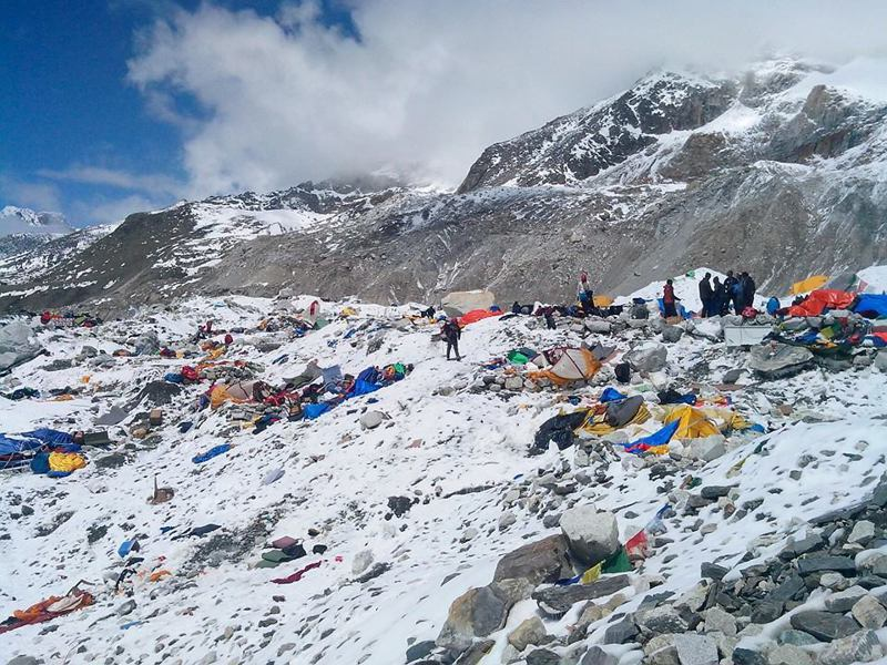 由台大學生創辦的遠山呼喚團隊發起教育種植計畫,希望募集300位贊助人,幫助位於聖母峰山腳下的尼泊爾吉里鎮1000位貧童重返學校,不再淪為苦力或被迫嫁人。示意圖,圖為聖母峰基地營。聯合報系資料照片