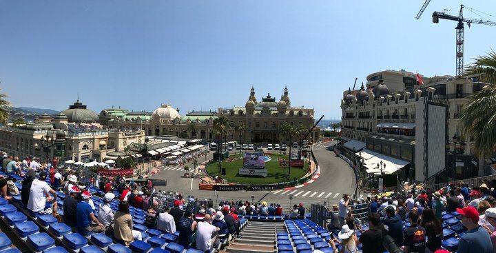 第一天排位賽的座位,在摩納哥賭場的大彎道,這個位置很不錯。 圖/背包客棧