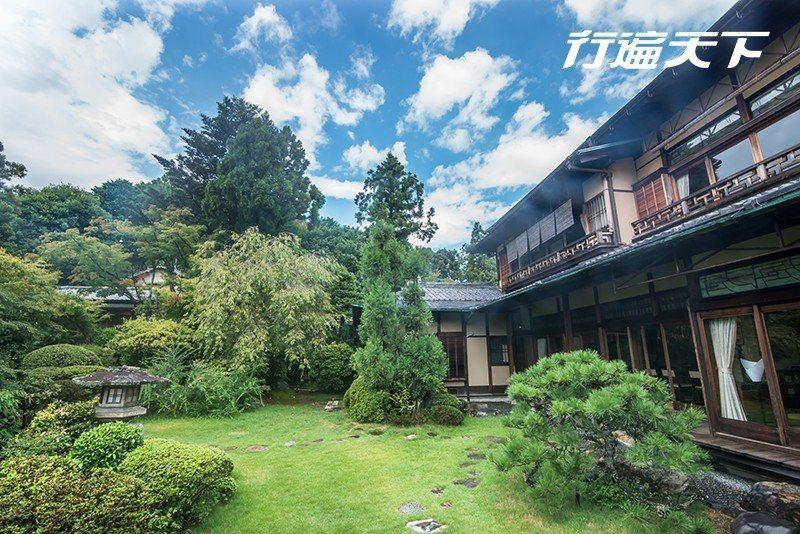 山莊客房可欣賞到屋外古樸的庭園,富有雅趣。  攝影|行遍天下