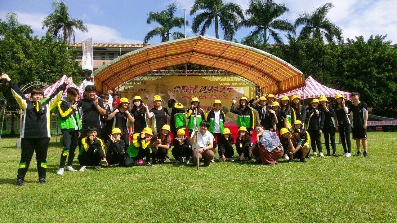 至善高中學生發揮所學,協辦大溪區農民運動大會。圖/至善高中提供