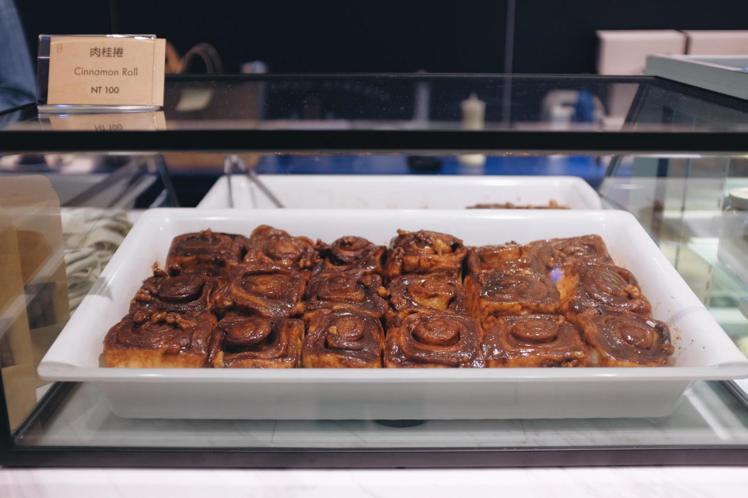 肉桂捲使用4種肉桂粉及法國進口麵粉製作。圖/記者沈佩臻攝影