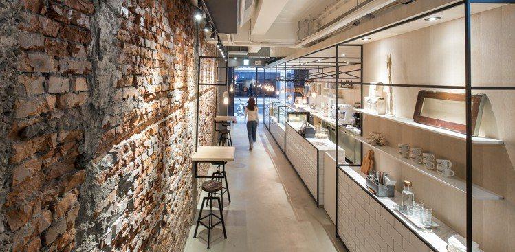 Heritage Bakery &Cafe保留老建築中的紅磚、磨石子地板。圖/...