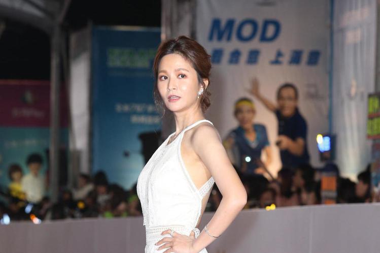 第五十三屆金鐘獎,吳怡霈走星光大道。