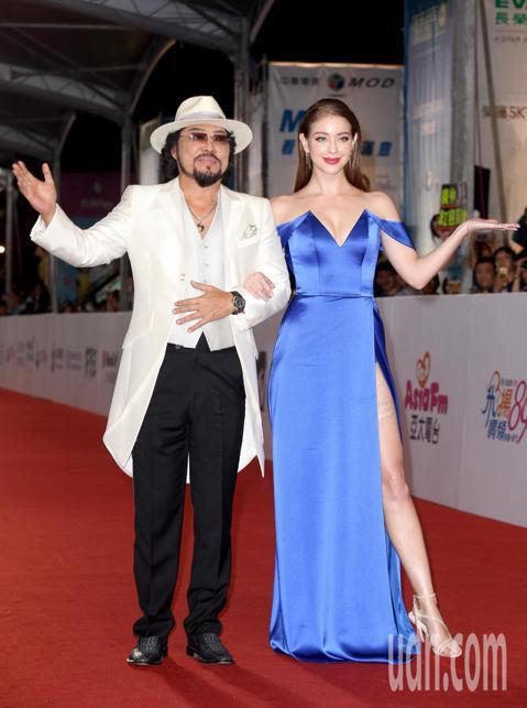 第53屆金鐘獎,張菲與安妮走星光大道。