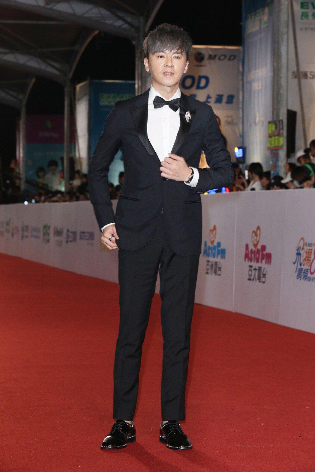 李國毅穿浪凡西裝,配戴寶格麗珠寶腕表。記者陳立凱/攝影