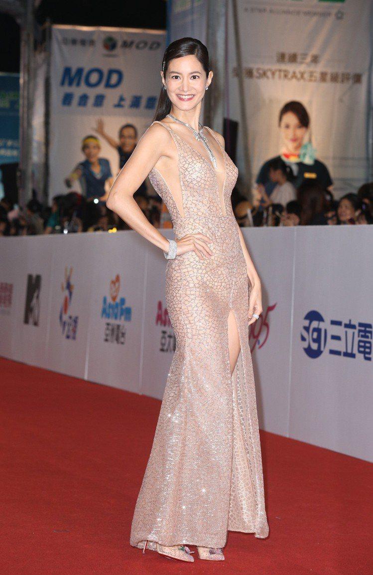 JANET穿White Atelier禮服,配戴海瑞溫斯頓珠寶。圖/記者陳立凱攝...