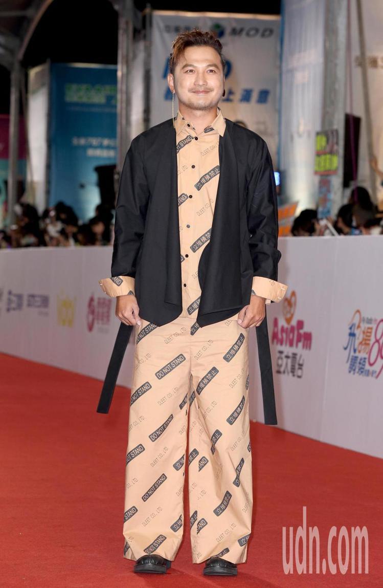 Kid林柏昇則選擇以台灣設計師李倍Dleet的套裝。圖/記者陳立凱攝影
