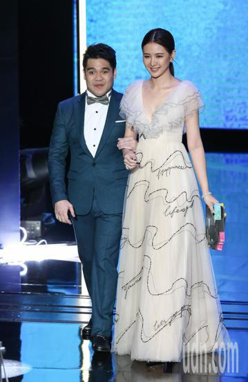 第53屆金鐘獎頒獎典禮在國父紀念館舉行,安心亞與黃裕翔擔任頒獎人。