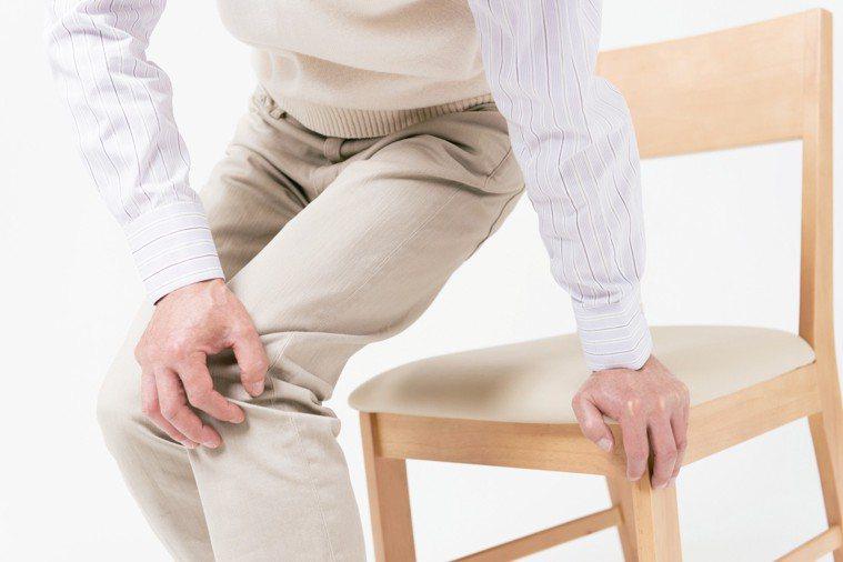 關節表面有層結構緻密無法再生修復的關節軟骨,健康的軟骨可以提供關節潤滑而無阻力。...