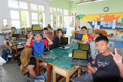 教育部將於九日拍板決定《2019-2022中小學數位學習中程計畫》。圖為雲林北港...