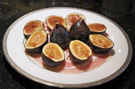 羅馬名菜:新鮮無花果與風乾火腿 (照片/周芬娜提供)