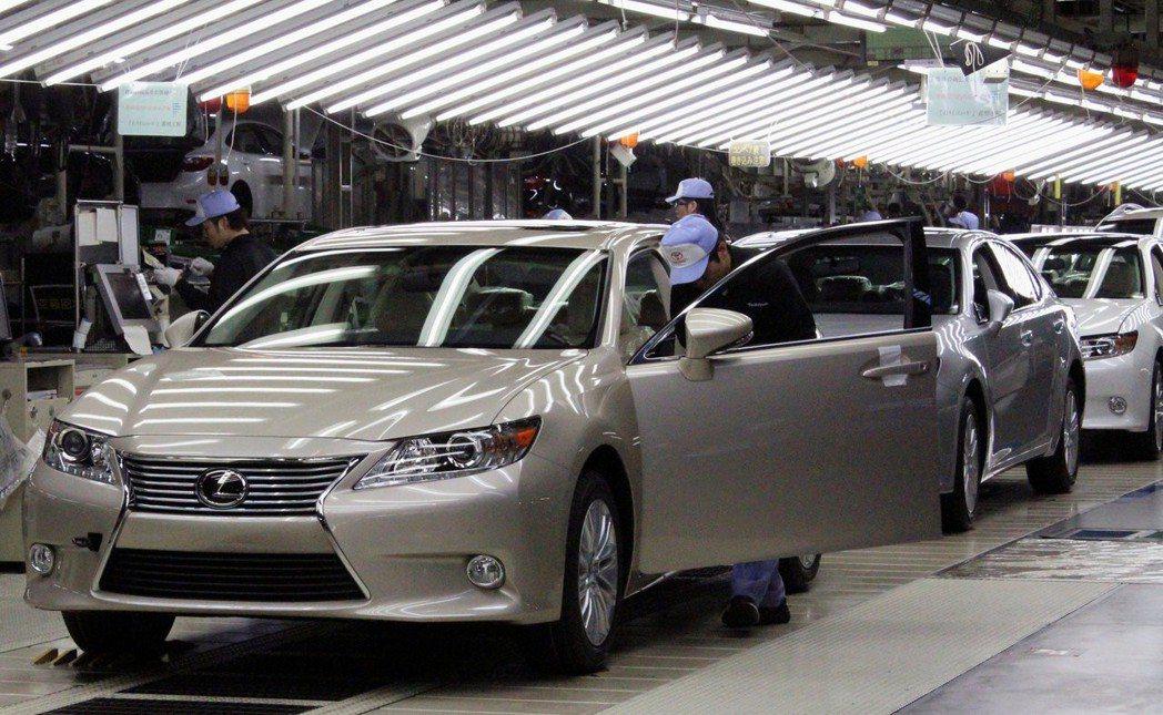 四位內部人士指出,為了拉動成長、並縮小與德國競爭對手在銷售上的差距,豐田正在考慮在大陸本土化生產Lexus的汽車。路透資料照