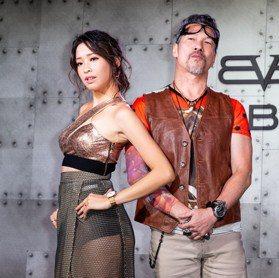 黃仲崑演繹Bomberg新表 霸氣有型愛不釋手
