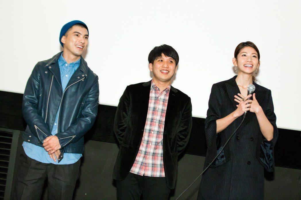 林哲熹(左起)、導演洪子烜以及李千娜出席釜山影展,獲得韓國影迷熱情回應。圖/貴金...