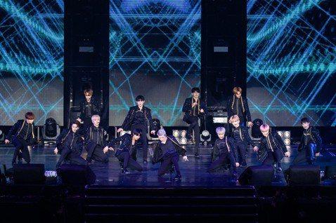 韓國鮮肉男團SEVENTEEN 7日在新莊體育館舉辦第二場台北演出,因為台灣是他們年度巡演的最終場,13名成員比平常更放得開,言談間也顯得離情依依。他們已是4度來台,從最初的ATT SHOWBOX到...