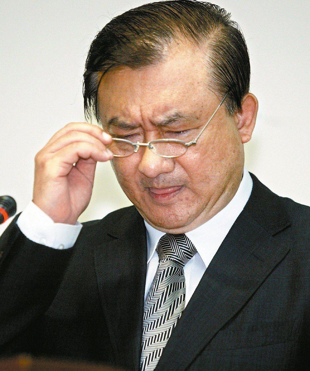 國際原物料價格大幅滑落,國內物價卻居高不下,當時的經濟部長尹啟銘遭多名立委砲轟。...