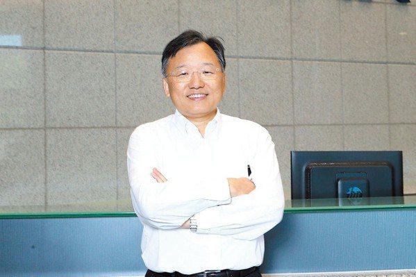 晶電董事長李秉傑