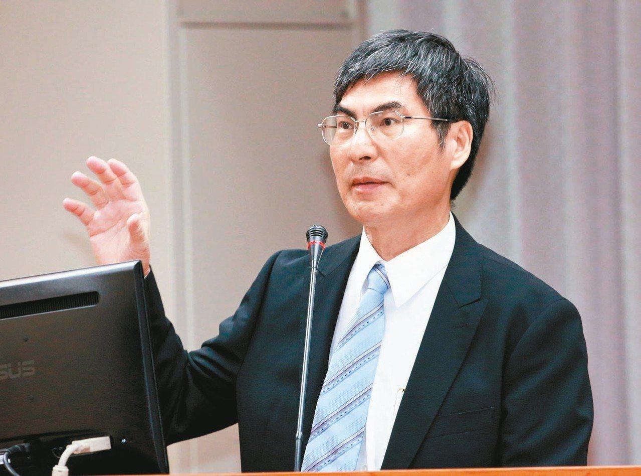 科技部長陳良基8日在立法院教委會表示,約有10家科技廠商有意回流台灣。 記者黃義...