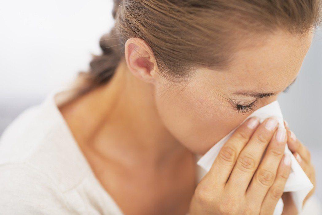 感冒咳嗽,找耳鼻喉科洗喉嚨好得比較快? 圖/ingimage