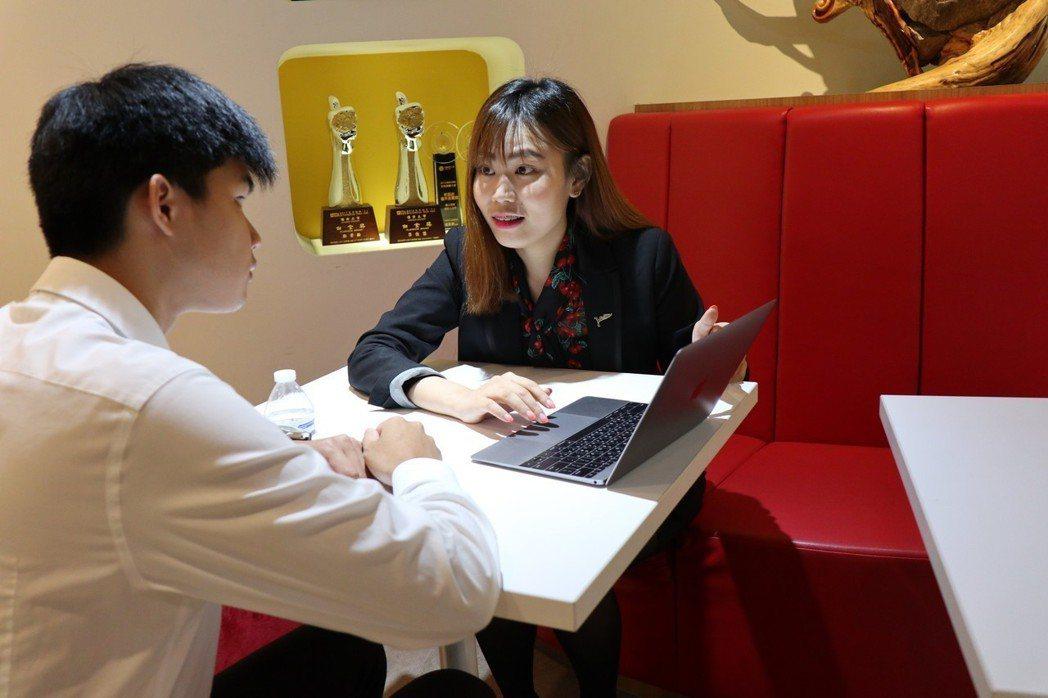 磊山保經表示,有「近105萬」台北市勞動人力,是從台灣各地「漂」到台北市工作。 ...