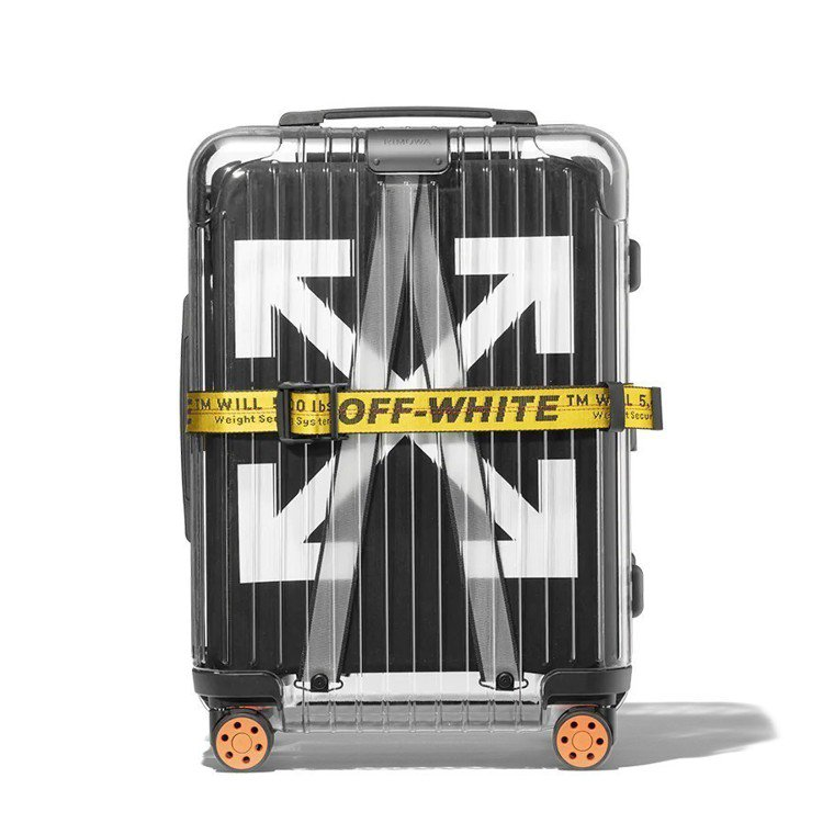 RIMOWA和Off-White聯名的黑色透明旅行箱,售價近43,000元,亞洲...