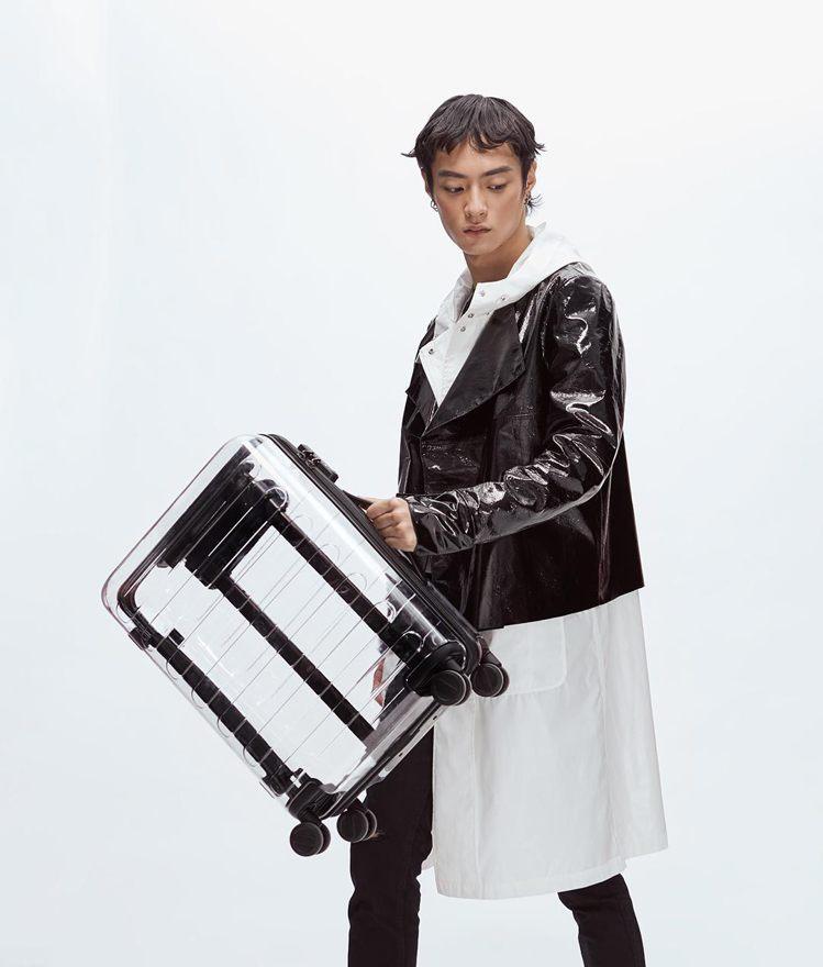 小米推出90分七道杠透明箱,售價僅要RIMOWA聯名款的1/16。圖/摘自小米有...
