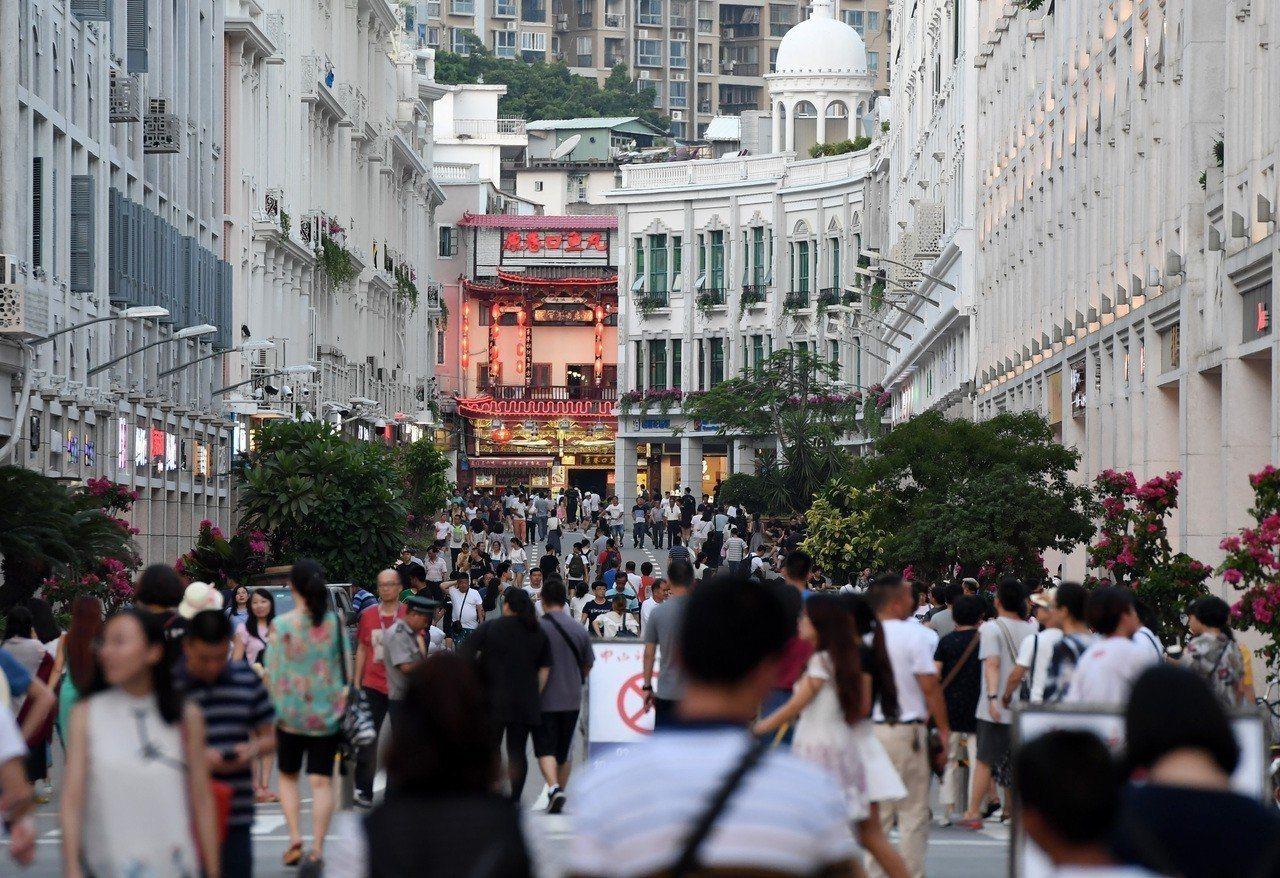 福建響應大陸國台辦推出的惠台31條措施,廈門也隨後公布吸引台灣人才、企業的具體政...