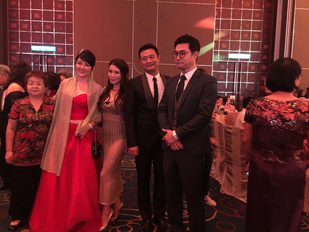 黃維德(右起)、林佑星、德馨、李沛綾擔任花童。記者陳慧貞/攝影