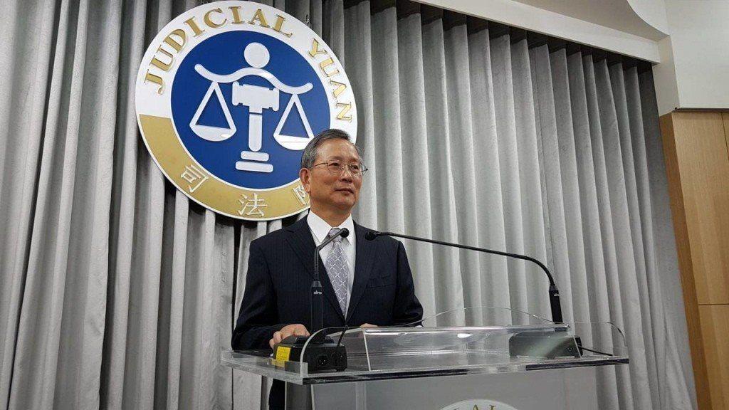 司法院秘書長呂太郎說明大法官不受理監察院聲請釋憲案。 圖/聯合報系資料照片
