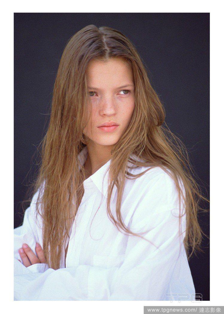 凱特摩絲14歲時的平面作品。圖/達志影像