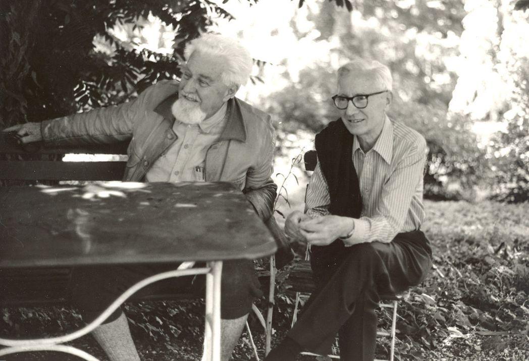 勞倫茲(左)與尼古拉斯.廷貝亨。攝於1978年。 圖/維基共享