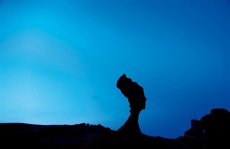 野柳地標女王頭,一直默默守護著山海間的純樸子民。