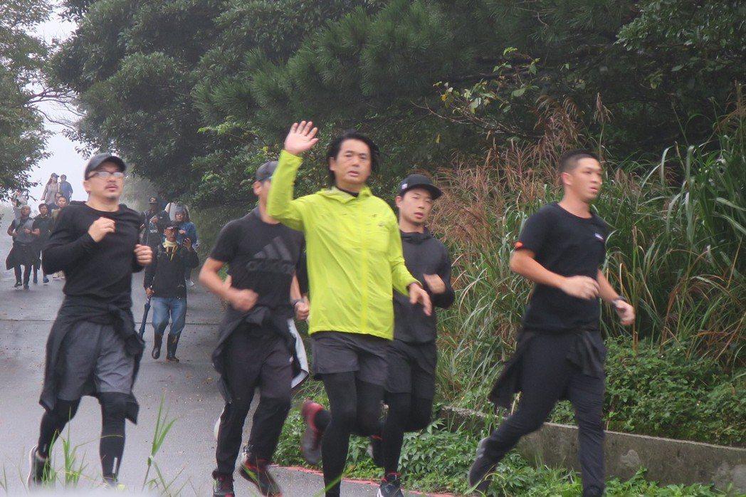 周潤發每天晨跑體力好,媒體在後苦追。記者蘇詠智/攝影