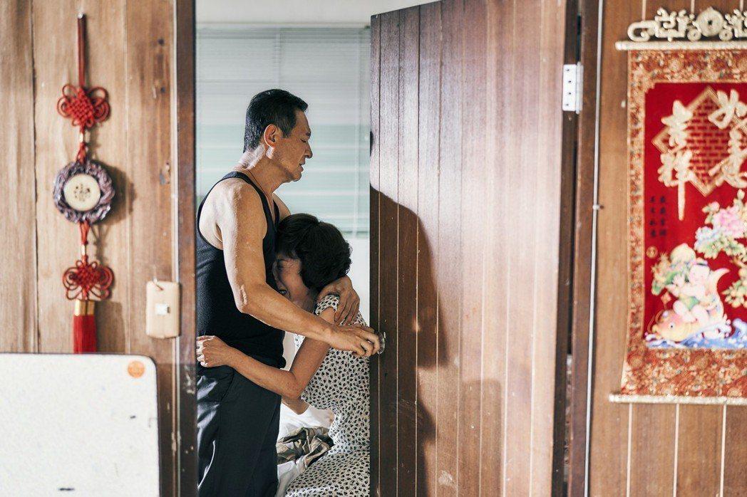 資深演員陳慕義、吳佳珊在「憨嘉」中有動人演出。圖/天馬行空提供
