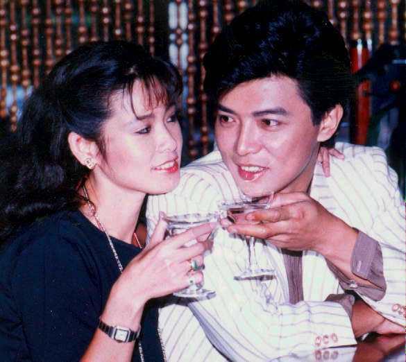 張佩華曾是當紅小生,(左為)周丹薇。本報資料照